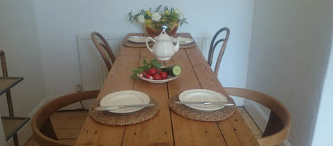 Tanya flat breakfast table
